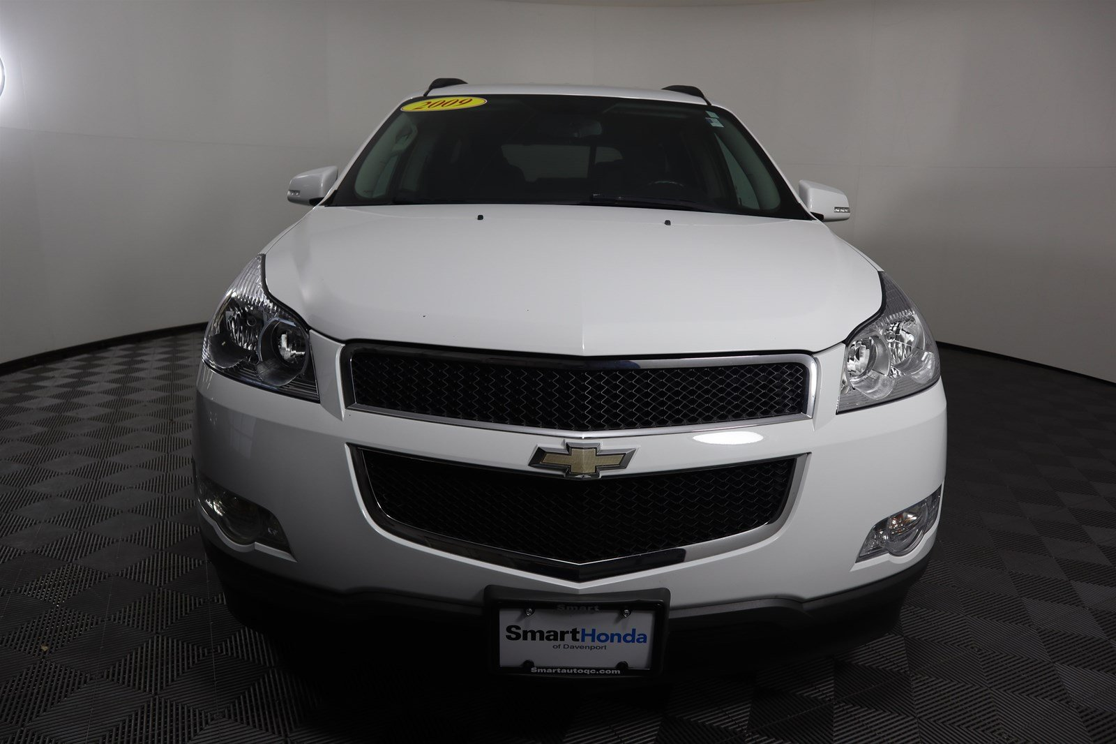 Pre-Owned 2009 Chevrolet Traverse LT w/1LT