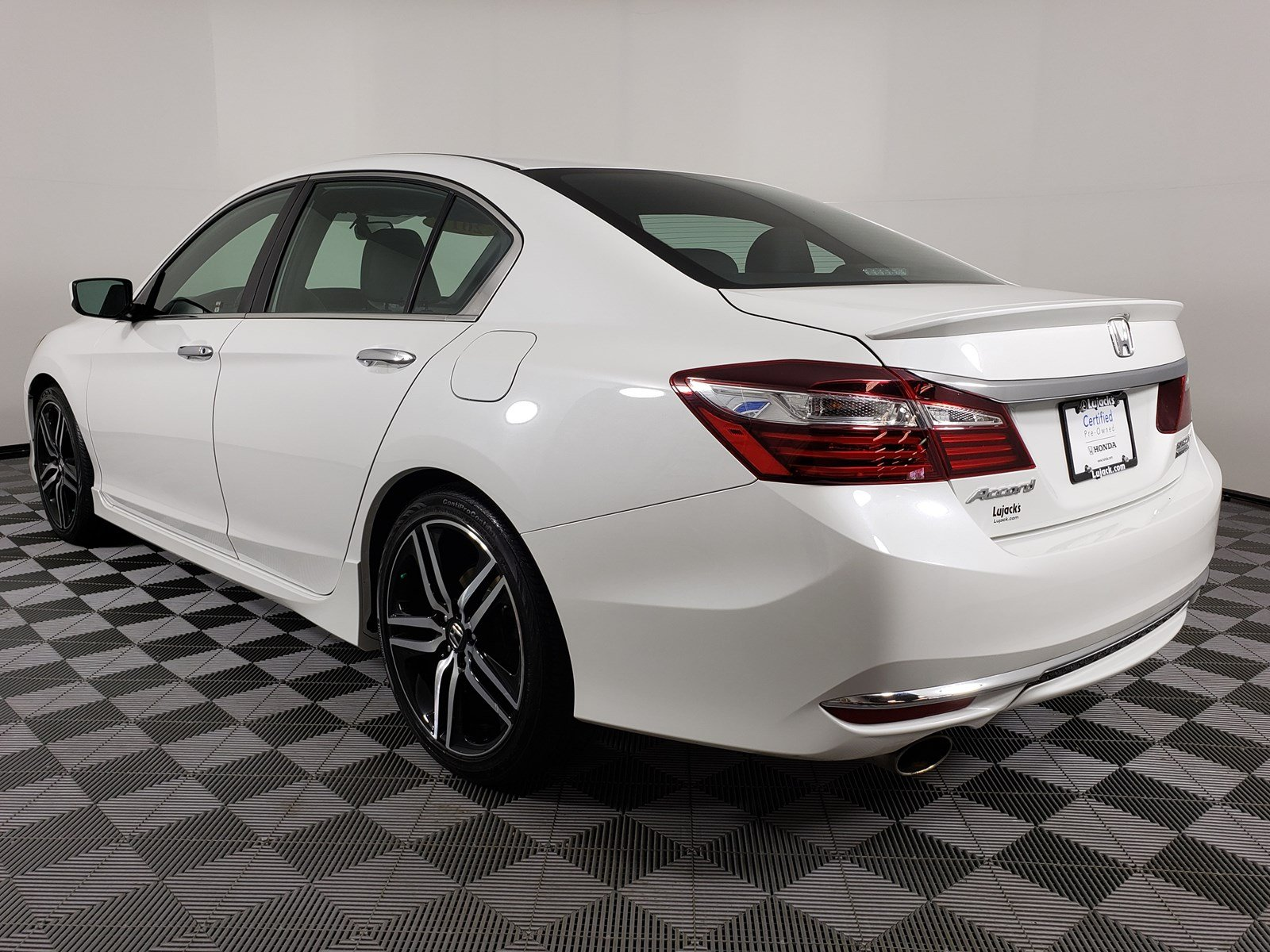 Certified Pre-Owned 2017 Honda Accord Sedan Sport SE