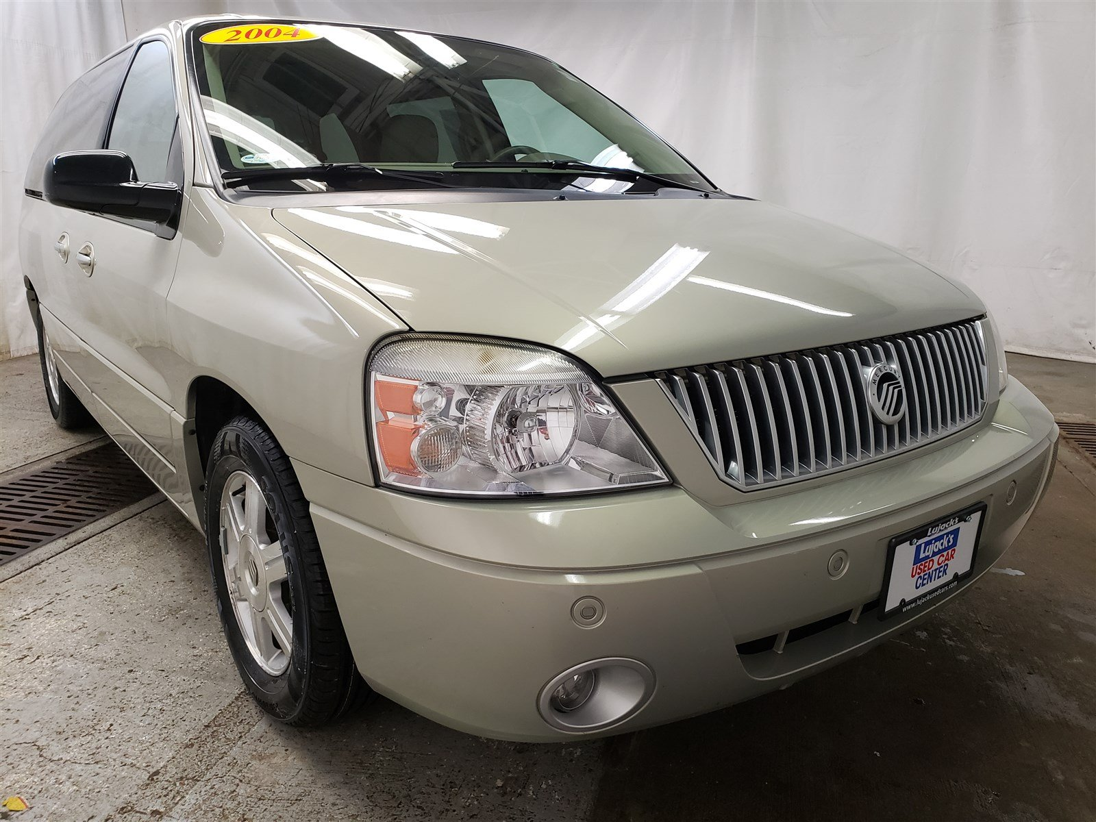 Pre-Owned 2004 Mercury Monterey Base